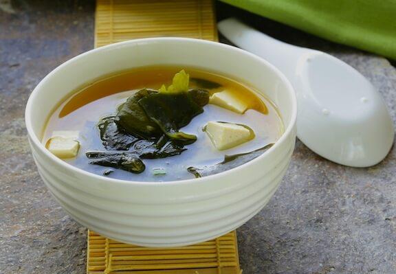makanan untuk kurangkan serangan gout ubat gout makanan untuk pesakit gout serangan gout 9 Cara Untuk Kurangkan Serangan Gout Miso soup recipe sup untuk kurangkan serangan gout