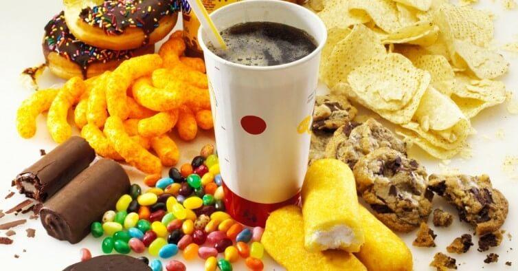 Makanan Sebabkan Jerawat Saya Meriah Selepas Raya??!